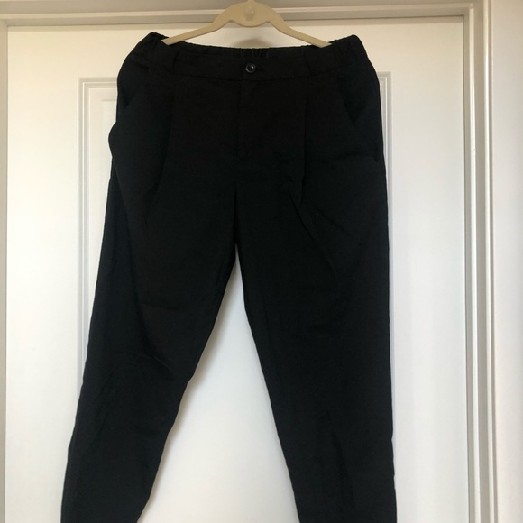 Uniqlo Pants - Black trouser joggers